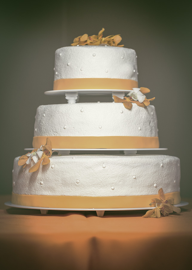 Wedding cakes in kalamazoo mi